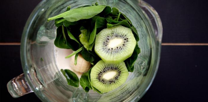 Source: http://joythebaker.com/2013/01/spinach-kiwi-chia-seed-smoothie/